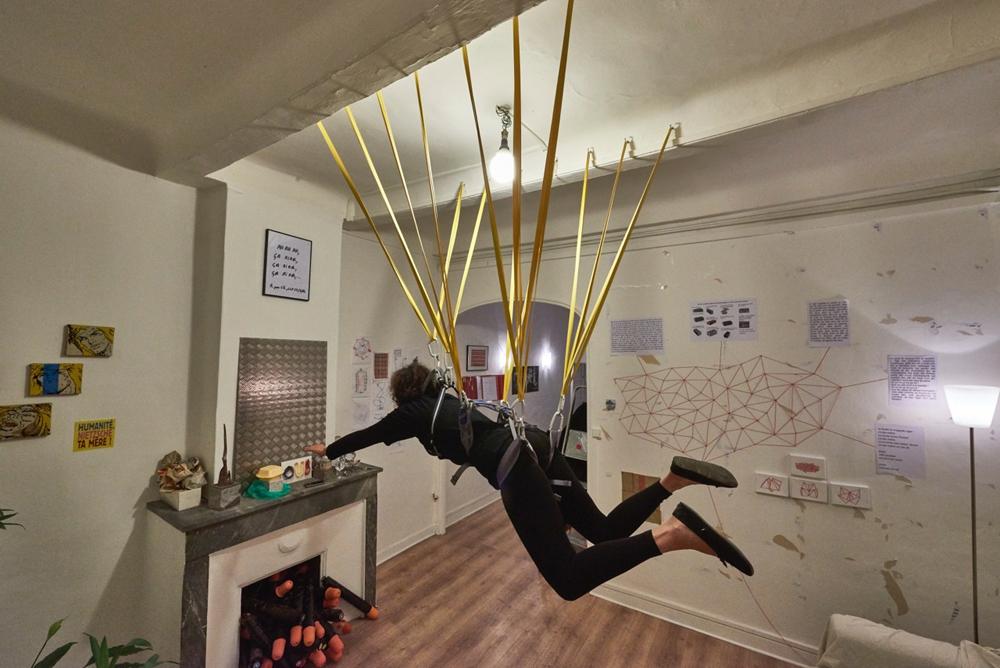 Atelier les 3/8 - Laurent Le Forban, Suspendue ©Laurence Denimal