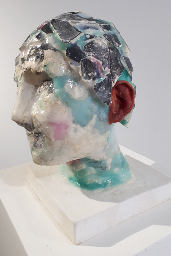 Mathieu pouderoux Composite anthropologique numéro 1, 2019, 20X20X35cm, plâtre, encre, latex, silicone, résine, pigments, fils de fer, (1)